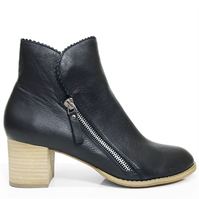 Django & Juliette Shea Ankle Boot